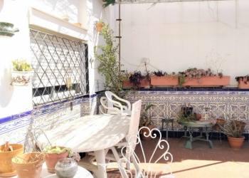 Vender Malaga - Malaga de Maravilloso Edificio, Bajo + 3 en BUEN ESTADO!  INVERSIONISTAS AQUI TENEMOS OTRA OPORTUNIDAD! - 1